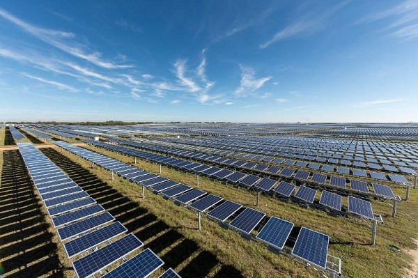 The 41-megawatt Alamo I PV plant in Bexar County, Texas. (image via OCI Solar Power)