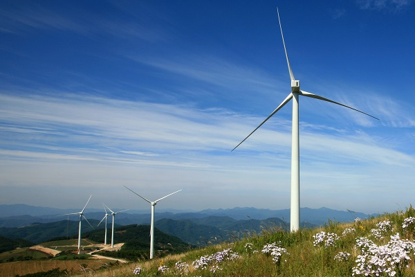 UK wind farm (image via RenewableUK)