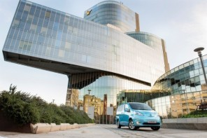 Amsterdam's Taxi Electric Will Be 1st Private Taxi Company To Use Nissan's New e-NV20