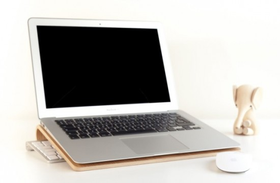 macbook-stand-550x359