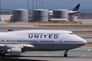 United Airlines Biofuel Plane