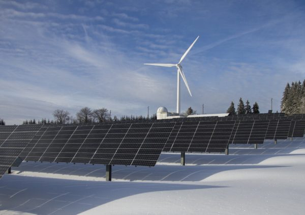 Clean energy from falling snow could one day track your skiiing performance