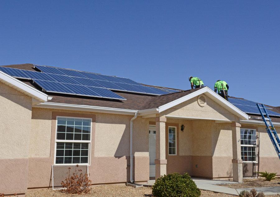 Tesla lowers solar prices in bid to regain crown